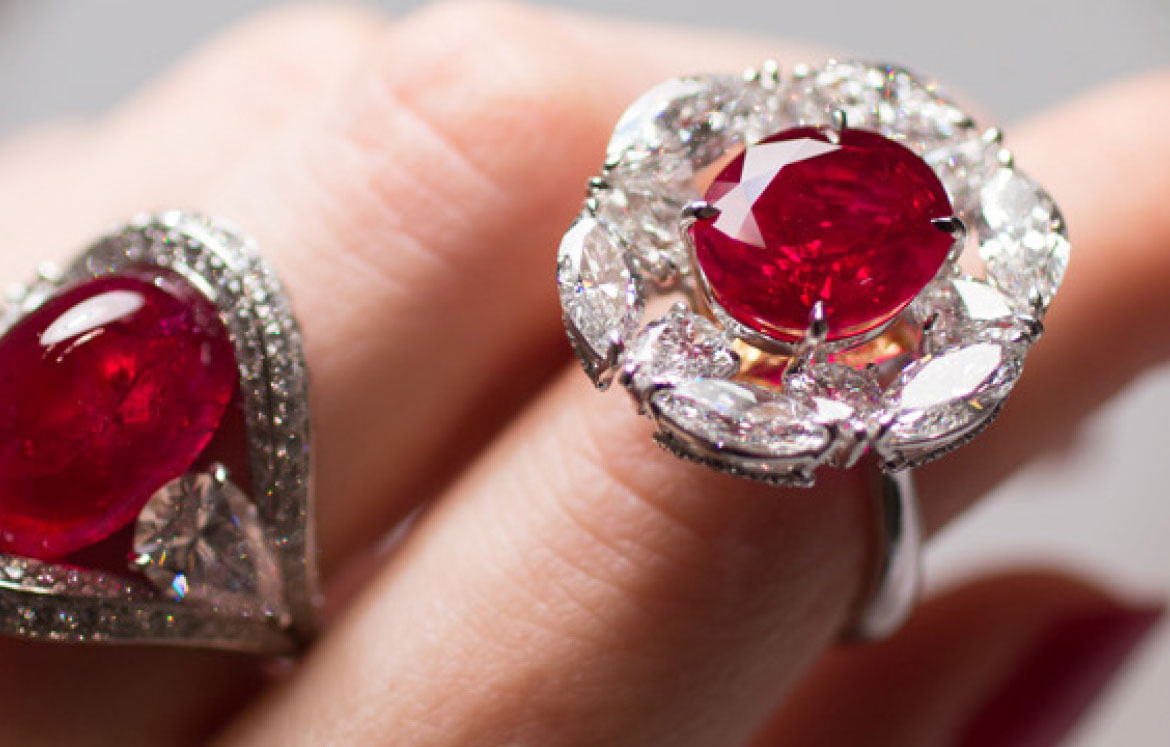 FAIDEE AND THE NEVER- ENDING PASSION FOR BURMESE RUBIES | Faidee